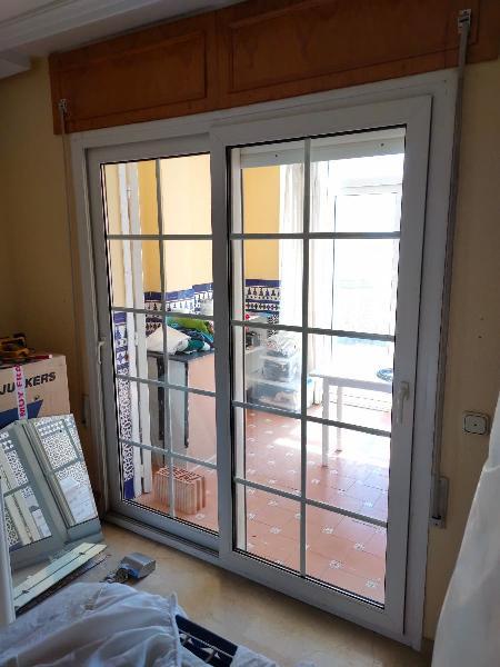 Puerta corredera, ventana y puerta acristalada pvc