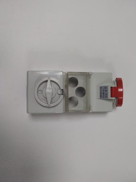 Conectores protegidos trifasicos/monofasicos