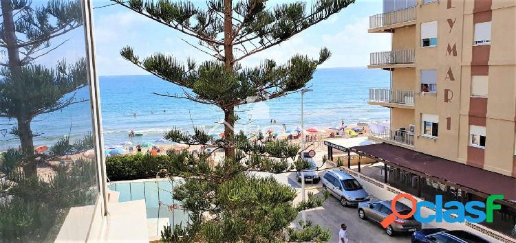 Apartamento con bonitas vistas al mar situado en 2ª linea playa Bellreguard 1