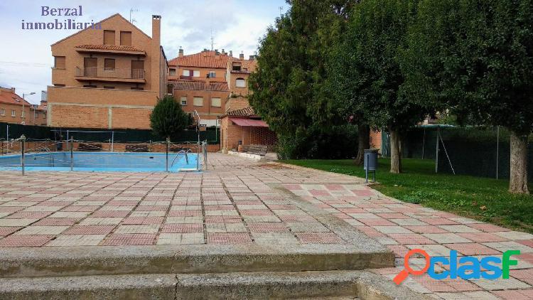 Merendero en villamediana de iregüa con piscina comunitaria