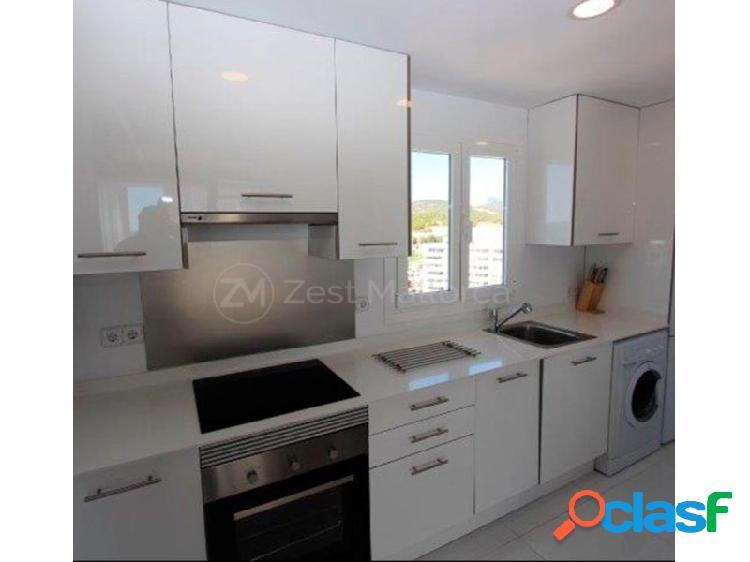 Apartamento dúplex moderno con vistas al mar
