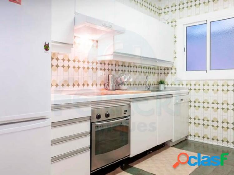 Precioso piso de 3 habitaciones en la zona de El Guinardo. 2