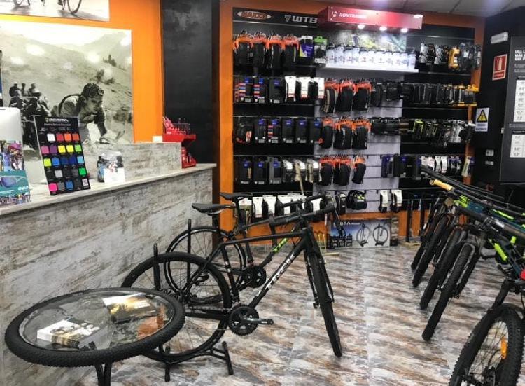 Traspaso tienda, taller y club ciclista