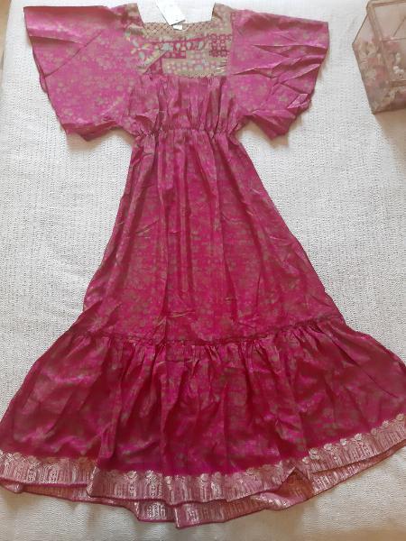 Vestido boho rosa fucsia. t: m. nuevo con etiqueta