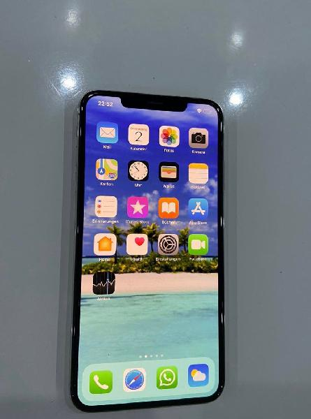 I phone xs max 256 gb.