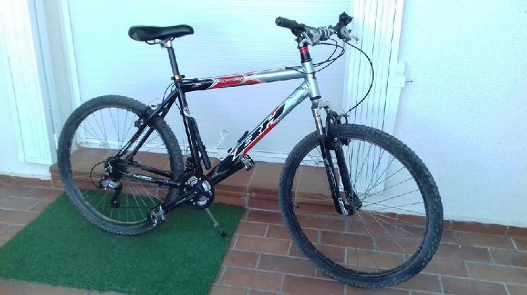 Mountain bike marca bh