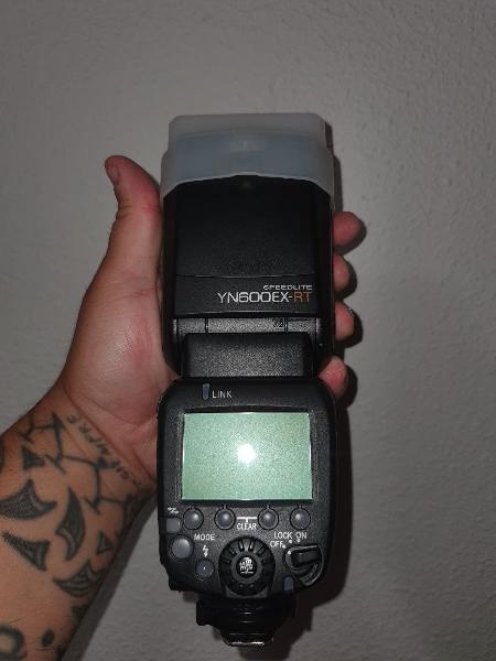 Canon eos 2000d + estudio fotografia