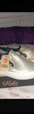 Zapatillas color oro talla 39
