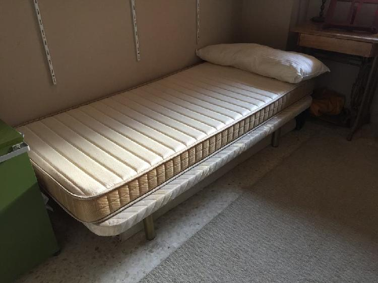 Colchón , canapé y almohada de 80x1'90