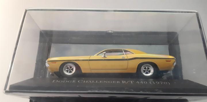 Dodge challenger r/t 440 escala 1/43 colección american