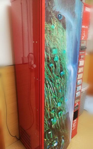 Máquina de refrescos en perfecto estado