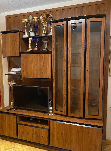 Mueble salón con vitrina , auxiliar, mueble bar