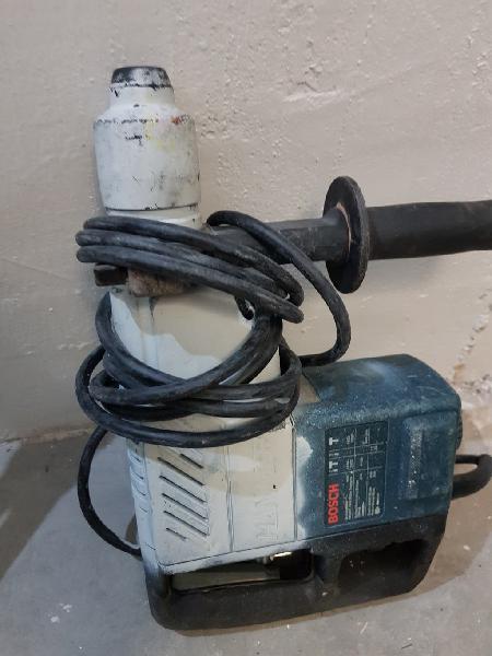 Taladro percusión bosch hammer demolition 750w