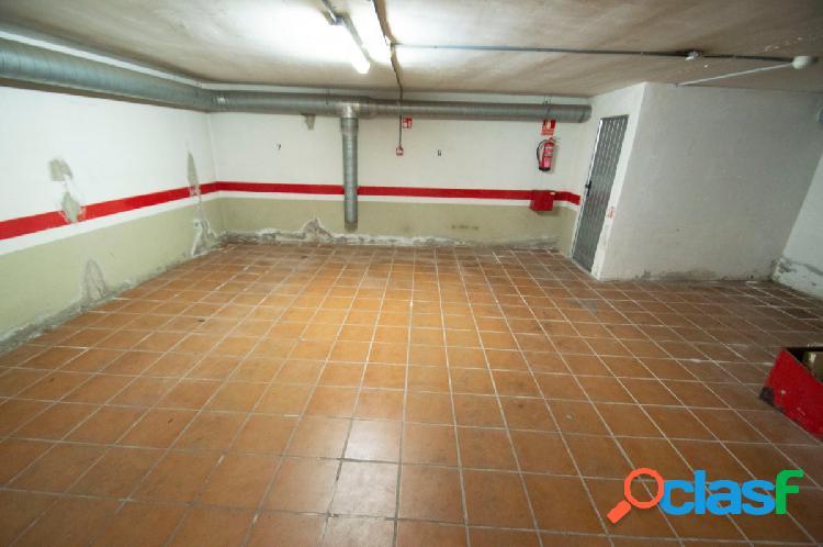 CENTRO DE ALMERIA (5 PLAZAS DE GARAJE Y 3 TRASTEROS) 3
