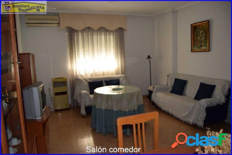Piso 2 dormitorios, zona mercadona