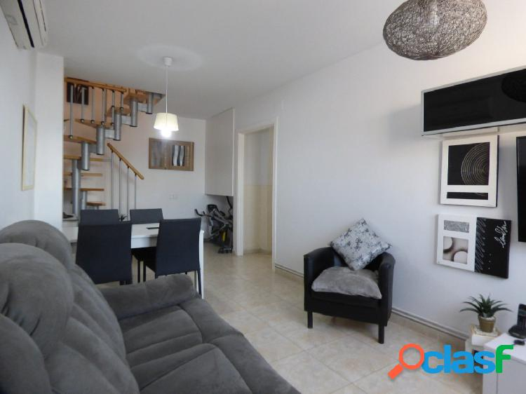 Duplex seminuevo impecable en Vilanova con 3 hab, 2 baños por 138.000 Eur 1