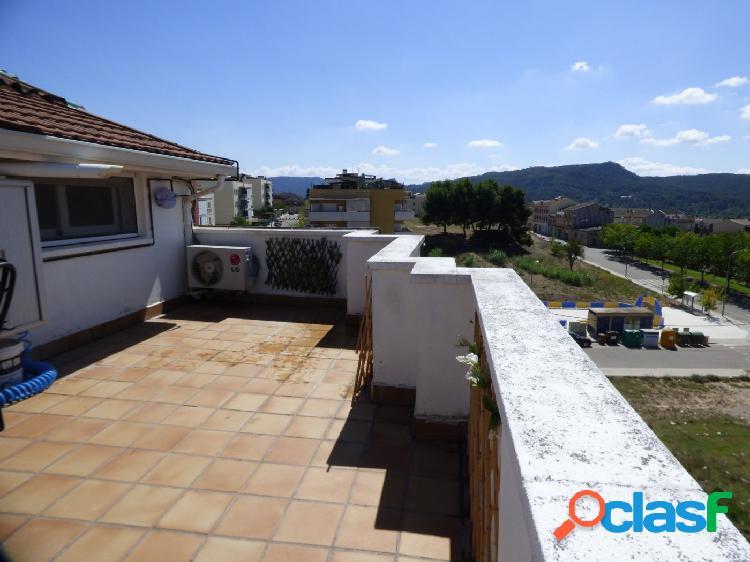 Duplex seminuevo impecable en Vilanova con 3 hab, 2 baños por 138.000 Eur 2