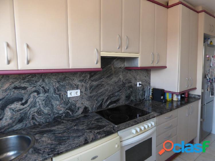 Duplex seminuevo impecable en Vilanova con 3 hab, 2 baños por 138.000 Eur 3