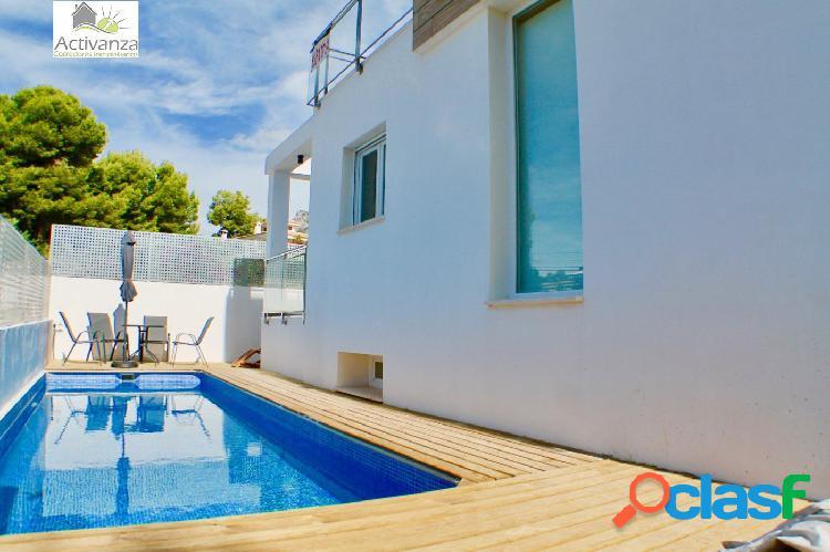 Chalet nueva construcción con piscina propia la nucia