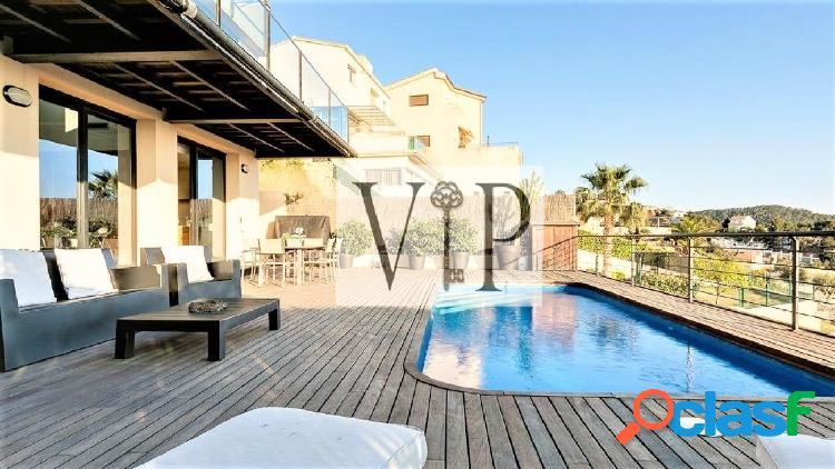 Alquiler de casa independiente de lujo con vistas al mar y piscina 3