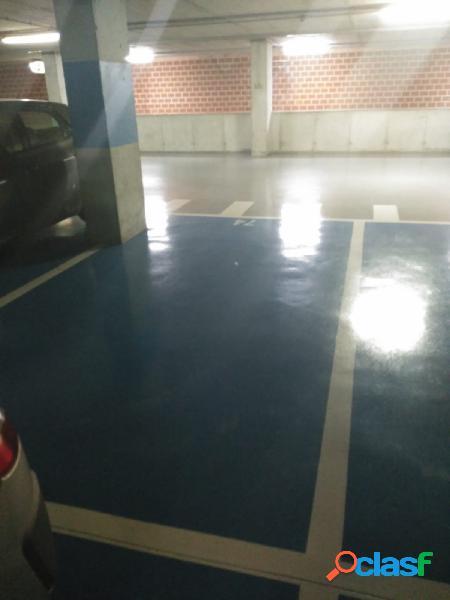 Venta de plaza de garaje en parking la vega.