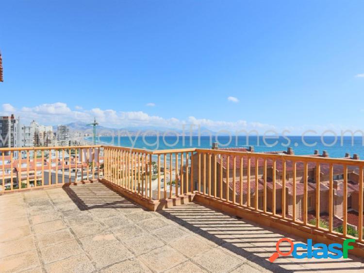 Adosado con vistas al mar y acceso directo a la playa san juan, alicante