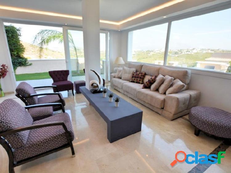 Casa adosada de 4 dormitorios completamente reformada y modernizada en La Vizcaronda, Manilva, Málaga, Costa del Sol. 3