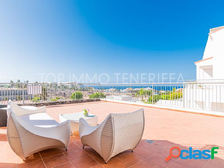 Moderno apartamento con vistas al mar en magnolia golf resort, la caleta