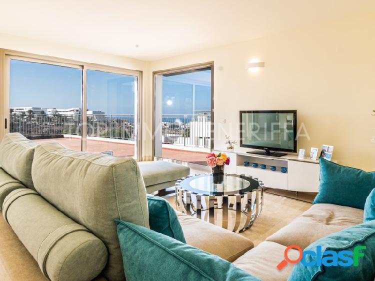 Moderno apartamento con vistas al mar en Magnolia Golf Resort, La Caleta 1