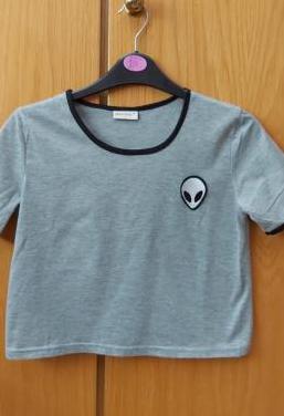 Camiseta con logo alien