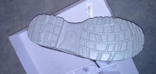 Dos pares de zapatos de seguridad n. 45