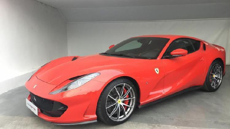 Ferrari 812 superfast v12 2019