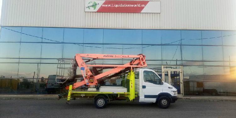 Iveco 35 s 18m 200 kg crane oil&steel en venta