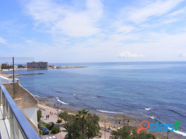 Espectacular ático de lujo en primera línea con maravillosas vistas al mar, torrevieja