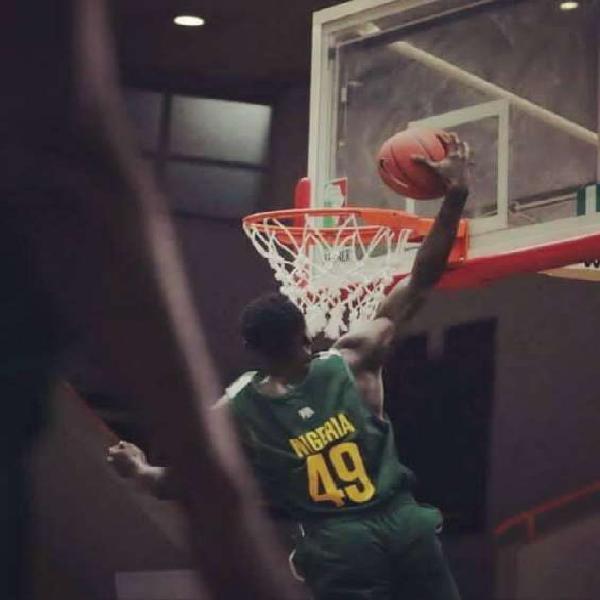 6'8 basketball player looking for opportunity in spain en la