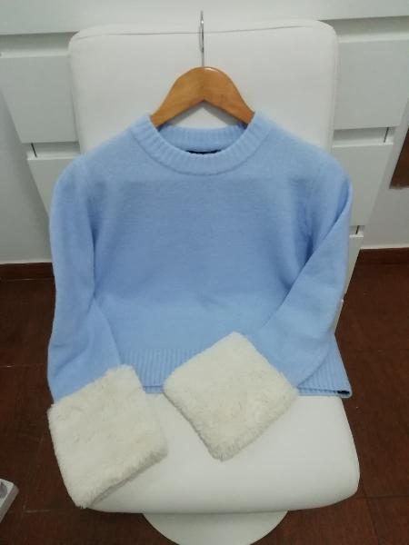 Lote: suéter zara, camiseta barbie, cuello pelito
