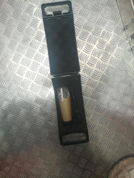 Microfono condensador de estudio pro behringer c3
