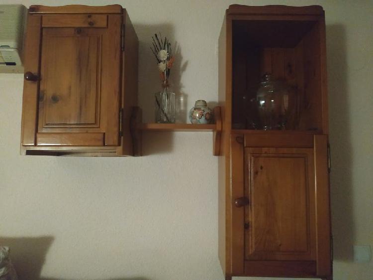 Muebles y estantería salón madera