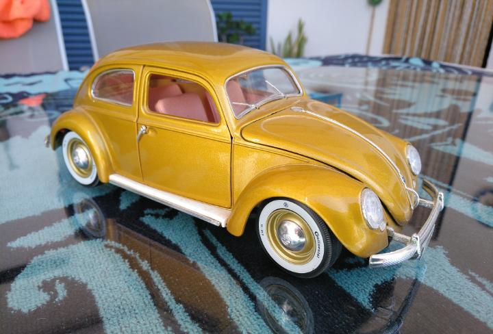 Volkswagen beetle 1955, burago, 1/18
