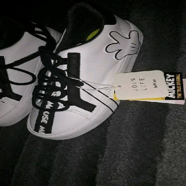 Zapatos zapatillas bambas