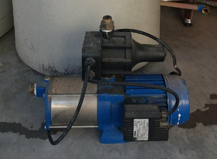 Bomba de presion de agua con deposito