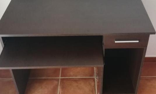 Mesa escritorio de 100 ×75 ×50 cms