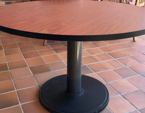 Mesa redonda 120 cm. diámetro