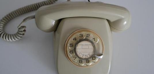 Teléfono vintage modelo heraldo