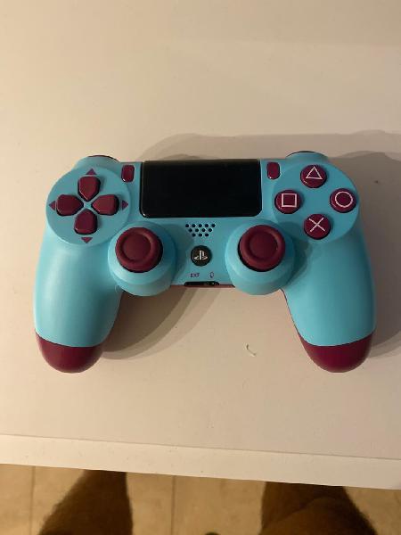 Mando ps4 berry blue nuevo