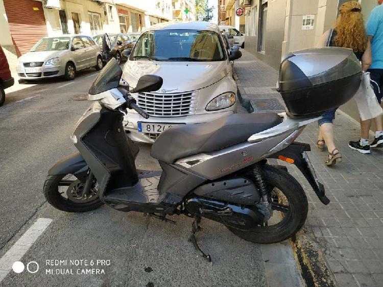 Es vende moto llamar 645886781