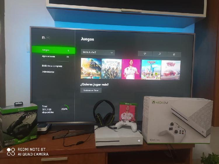 Xbox one s 1tb muy completa con juegos y cascos