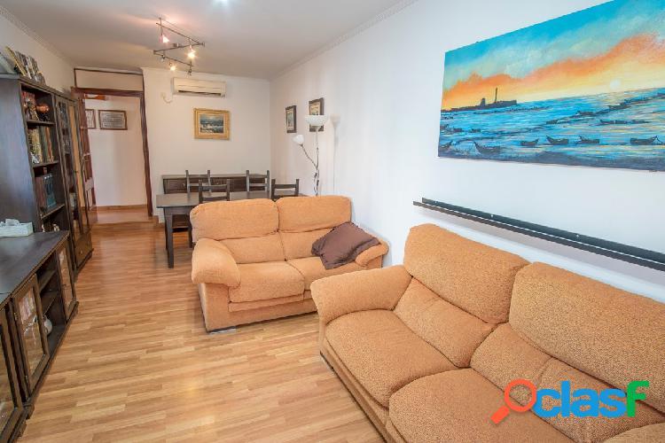 Piso de dos dormitorios con terraza de 60 metros con preciosas vistas