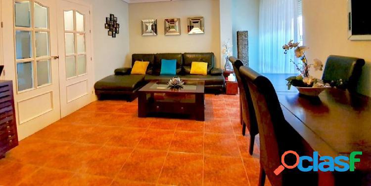 Venta piso vpo zona el potrero piscina salón 3 dormitorios 2 baños completos cocina con despensa