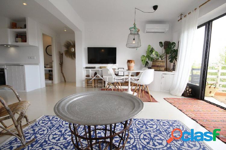 Apartamento reformado con encanto junto a la playa del Arenal, Javea. 2